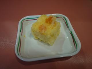 きょうのおやつは、蒸しケーキでした。