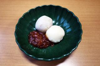 きょうのおやつは、里芋の味噌田楽でした。