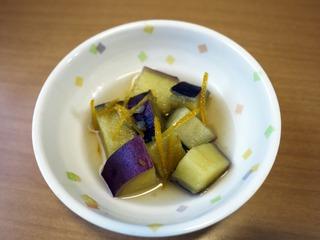 きょうのおやつは、さつま芋のゆず煮でした。