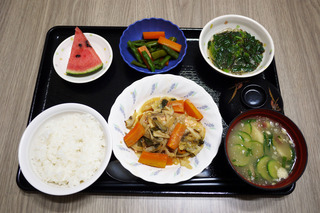 今日のお昼ごはんは、鮭のチャンチャン焼き・だし漬け・和え物・冷や汁・くだものでした。
