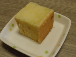 今日のおやつは、シフォンケーキでした。