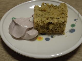 今日のおやつは、緑茶パンケーキでした。