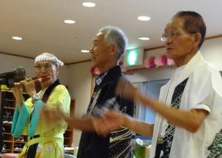きょうのボランティアさんは、三峰会のみなさんによる民謡の披露でした。炭坑節などの懐かしい民謡をご披露頂きました。