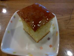 きょうのおやつは、厚切りホットケーキでした。