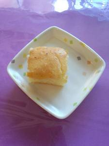 今日のおやつは【パインケーキ】です。