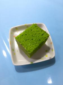 今日のおやつは【小松菜マフィン】でした。