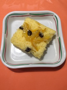 今日のおやつは【蒸しケーキ】でした。