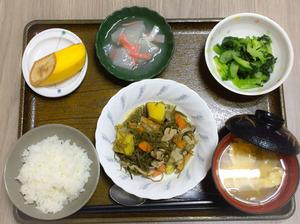 今日のお昼ごはんは、豚肉と切り昆布の炒め煮、生姜和え、大根のくずあん、みそ汁、果物でした。